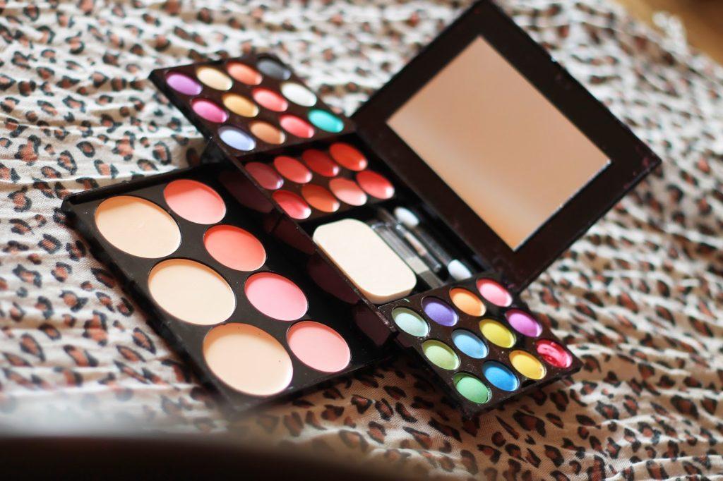 39 Colours Makeup Palette