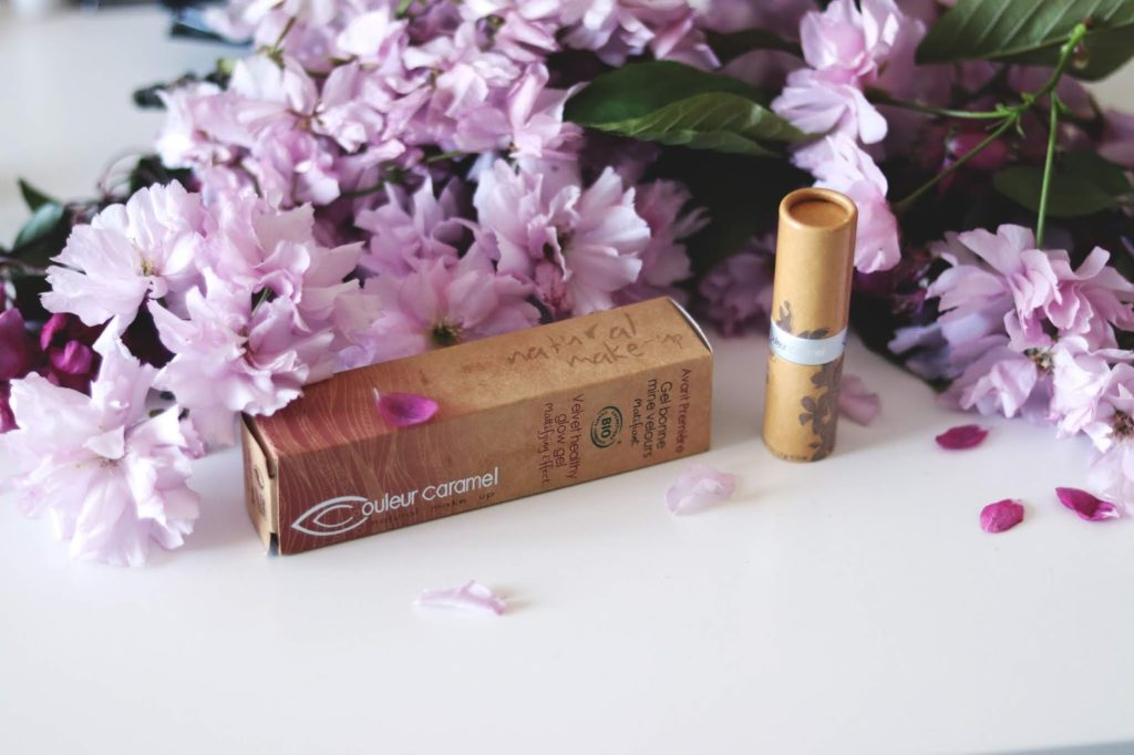 Couleur Caramel Natural Foundation and Lipstick Review